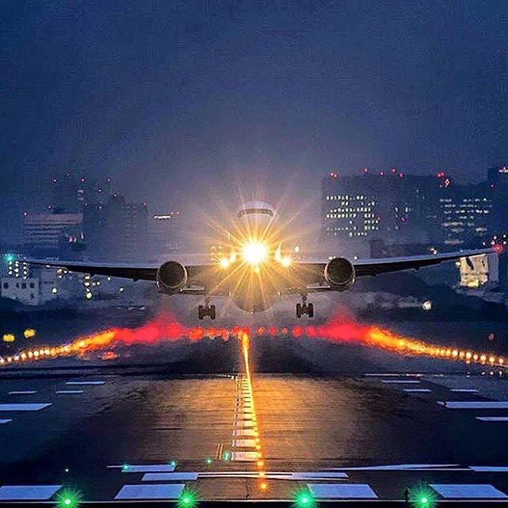 Night Flight Stunning PhotographyPlane PhotographyCommercial