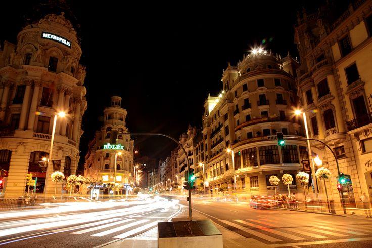 Gran Vía - Madrid!!! An amazing city.