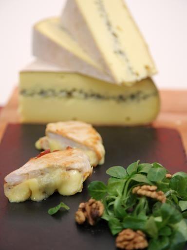 Escalopes de poulet au Morbier et au jambon cru : Recette d'Escalopes de poulet au Morbier et au jambon cru - Marmiton