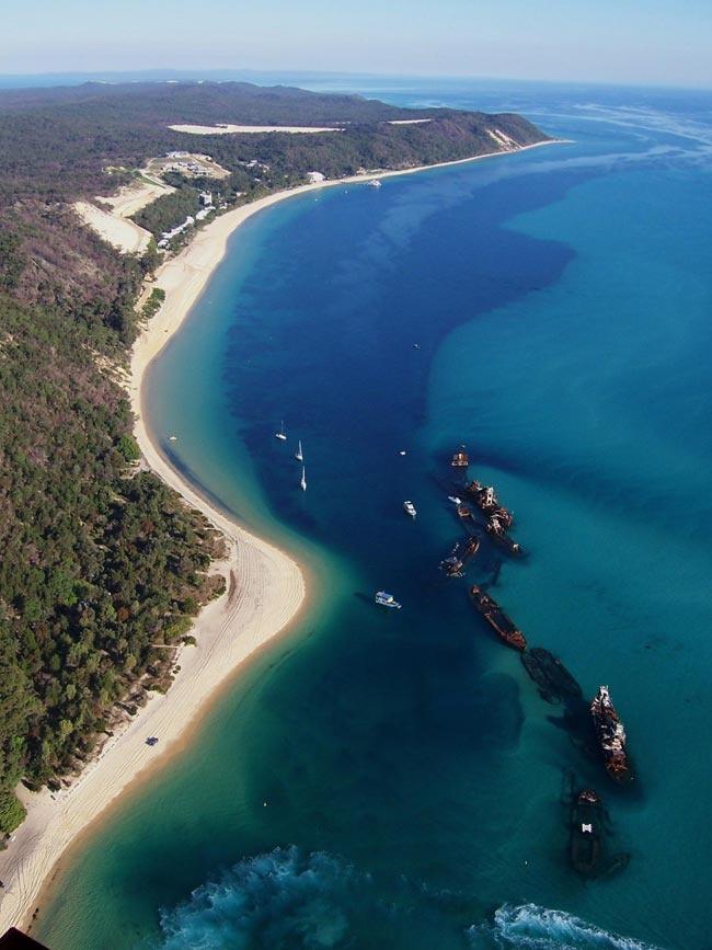 11 March 2012 - 2.4km swim off Moreton Island :) A slooooow 1hr 5mins. Lots. Of. Jellyfish.
