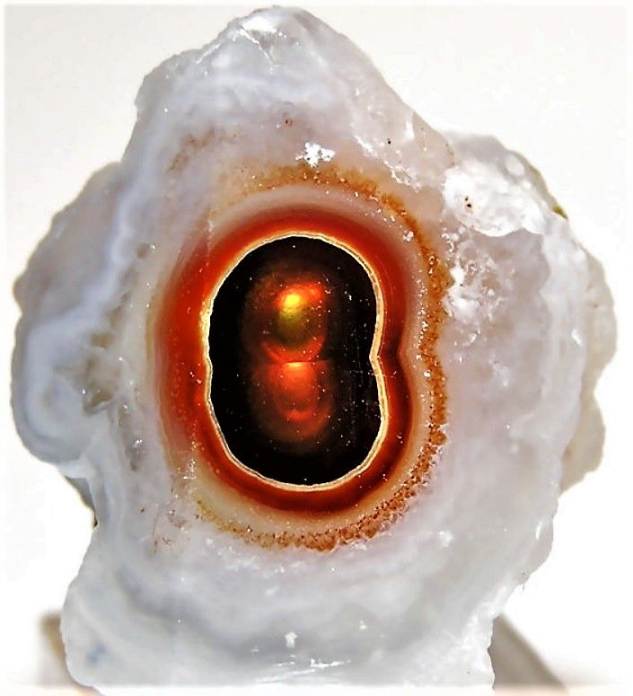 Eye of Fire Agate in Chalcedony | Rocks and gems, Mineral stone, Minerals