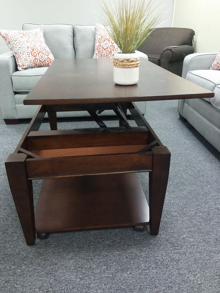 How about dinner and a movie IN tonight? Convertible coffee table raises up  to make - 25+ Parasta Ideaa: Convertible Coffee Table Pinterestissä