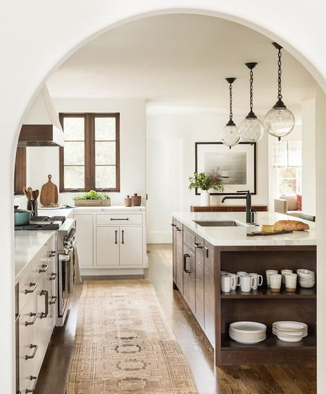 "518 Likes, 6 Comments - Becki Owens (@beckiowens) on Instagram: ""We shared this full home earlier this week on the blog -- the kitchen + entry were two of my very…"""