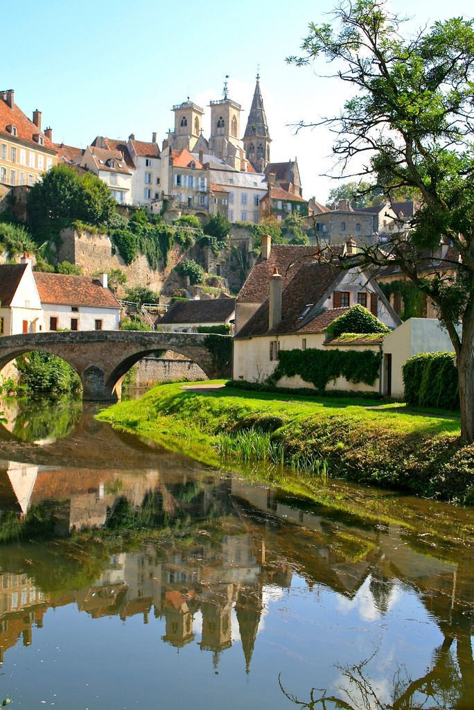 Semur-en-Auxois, France (by Charles Louis)