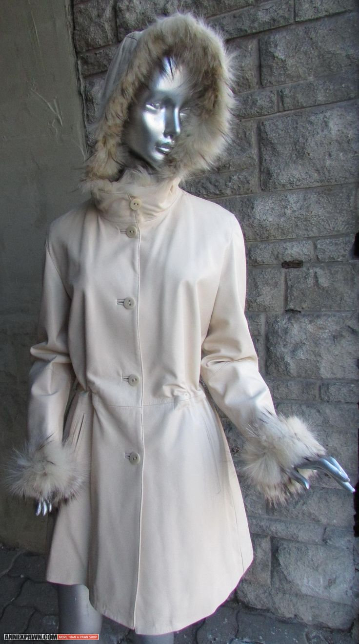 LIKE NEW #Cream #Leather #Jacket with Hood with Fox Fur Trim // Hooded Cream Leather #Coat // White #Fox Fur Trimmed Hood // Size 46 // 44″ Bust. Made by #Tipo