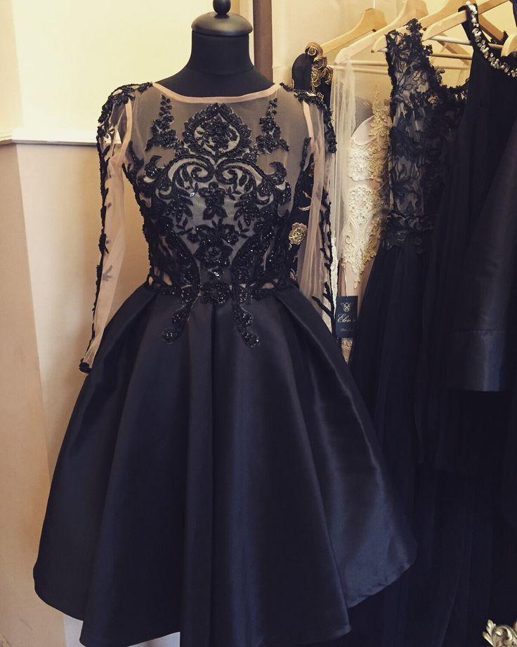 Elen's new dress, Targului 2/3