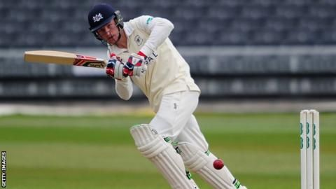 County Championship: Cameron Bancroft helps Gloucestershire lead Glamorgan
