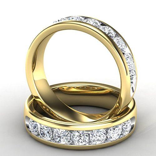 Men's Diamond Wedding Ring in 14k Yellow Gold
