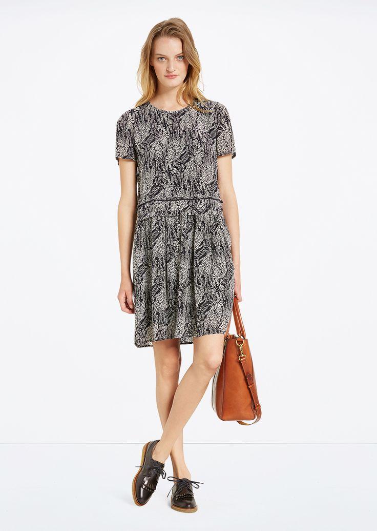 Jurk  Description: Soepele jurk met een bovenstuk dat lekker meezwiert met de rok in A-lijn. Aan de achterkant bevindt zich een sleutelgat halslijn.  Price: 104.90  Meer informatie  #Marc OPolo