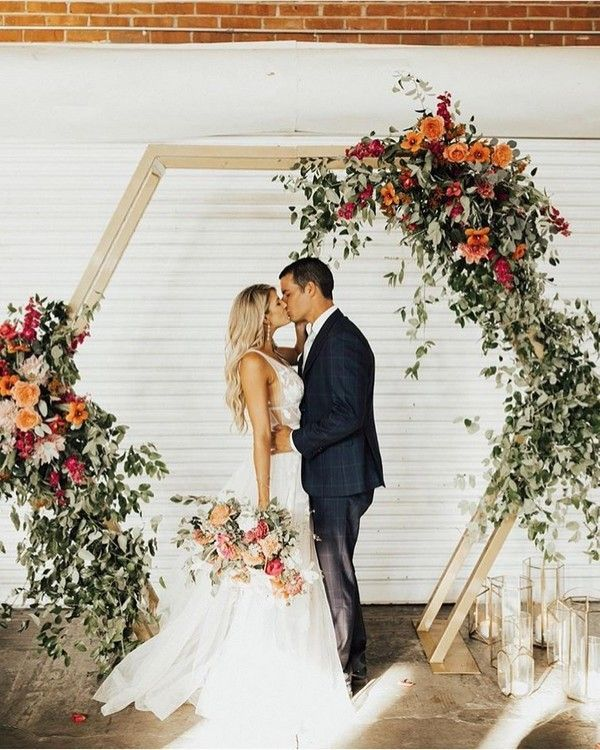 Modern Wedding Backdrop Ideas: 20 Modern Geometric Wedding Backdrop Ideas In 2020