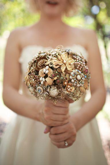 something different...: Brooch Bouquets, Wedding Ideas, Hanover Park, Bride Bouquets, Park Weddings, Dream Wedding