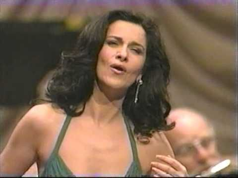 Angela Gheorghiu - Pace, pace, mio Dio - New York 2005 - YouTube