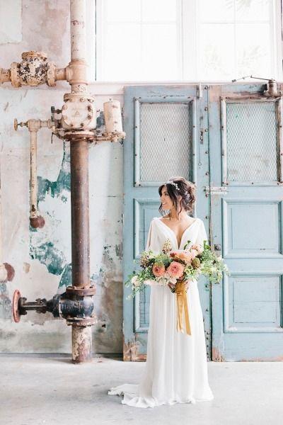 Industrial building: http://www.stylemepretty.com/2015/06/26/modern-fresh-industrial-south-carolina-wedding/ | Photography: Finch & Farrow - http://finchandfarrow.com/