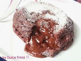 Dulce fresa Fondant au chocolat. Molten  cake