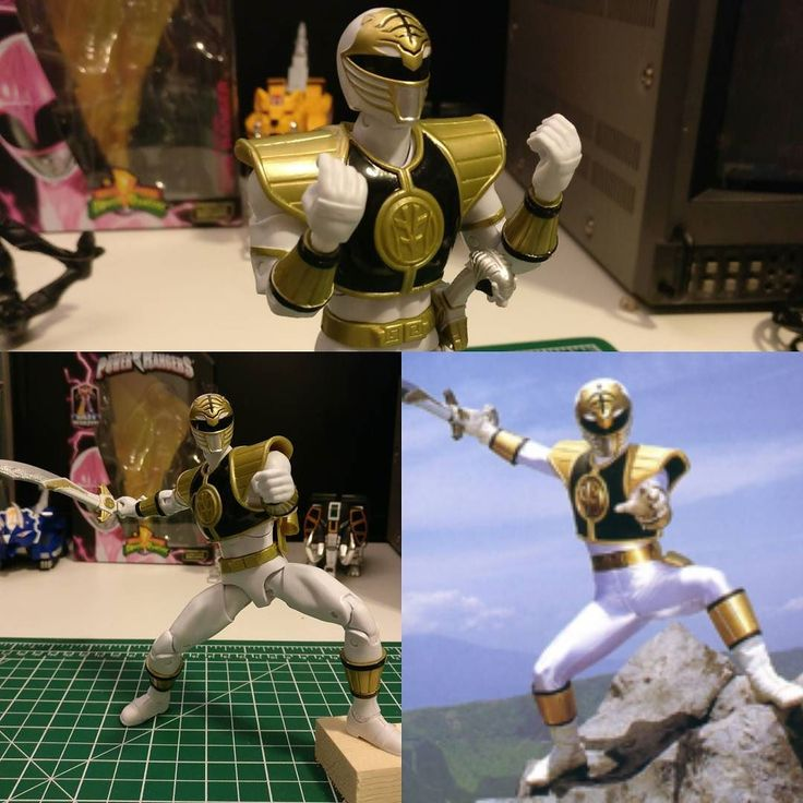 Recreating iconic poses. Legacy Power Rangers figs on sale at OOOToys.com! . . #mmpr #powerangers #powerrangers2017 #actionfigures #anime #tokusatsu #supersentai #powerrangerscosplay #toy #toysale #toyphotography #sale #nostalgia #instagamers #90s #90skids #oootoys