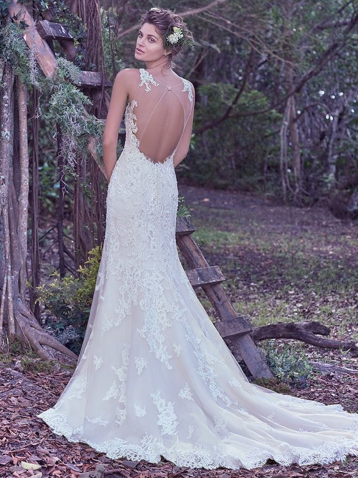 126 best Wedding Dresses images on Pinterest | Wedding frocks ...