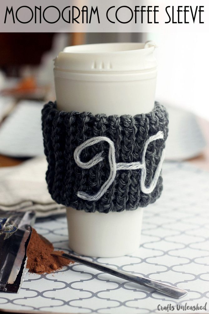 How-to-loom-knit-monogram-coffee-sleeve-Crafts-Unleashed | A #2usestuesday Feature