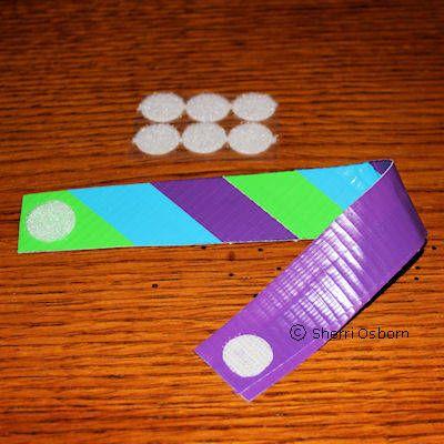 Google Image Result for http://0.tqn.com/d/familycrafts/1/0/U/W/3/Striped-Duct-Tape-Bracelet-Craft-7.jpg