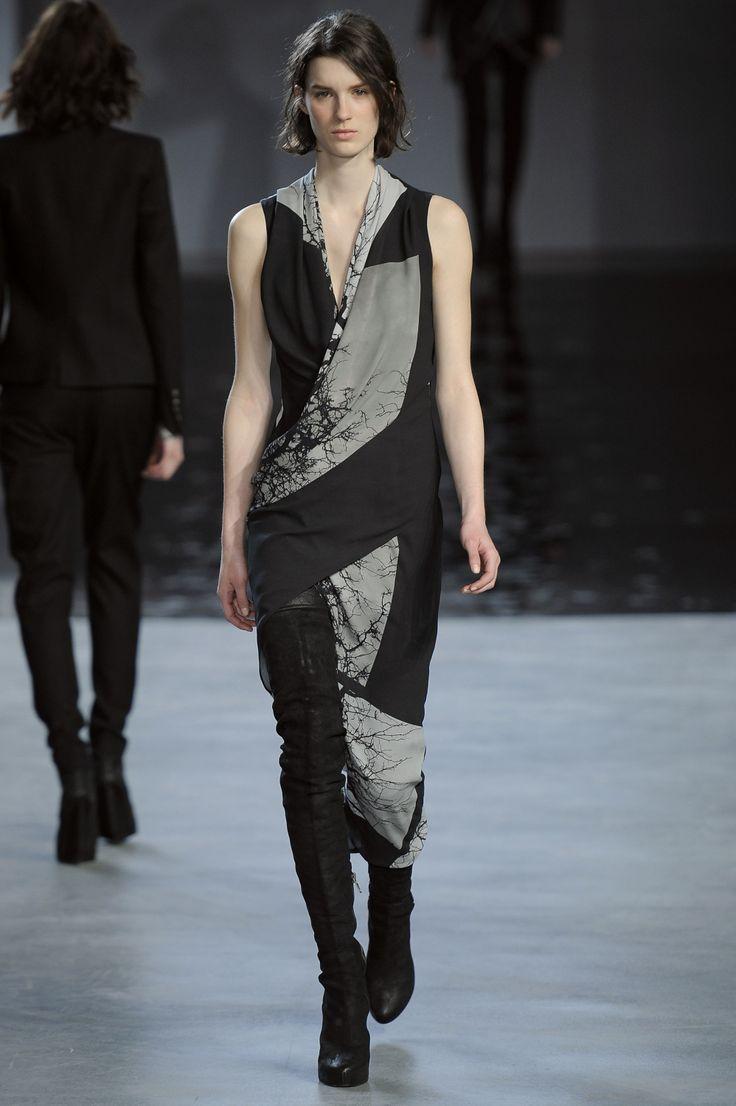 Helmut Lang Fall 2012 Runway via Fashionologie