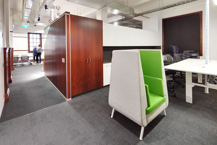MKDC | UWA Energies & Minerals Institute Office