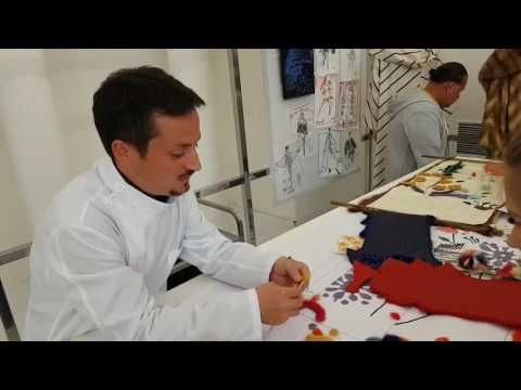 мастер класс от работника Fendi: меховой цветок своими руками - YouTube