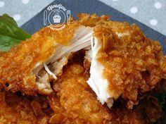 Poulet ultra croustillant/ce poulet est à tomber! Grâce à la marinade, le poulet est ultra tendre à l'intérieur, et grâce aux corn flakes, il est extra croustillant à l'extérieur ❤ En plus, rien ne vaut le « fait maison », au moins on sait très bien ce qu'il y a dedans!