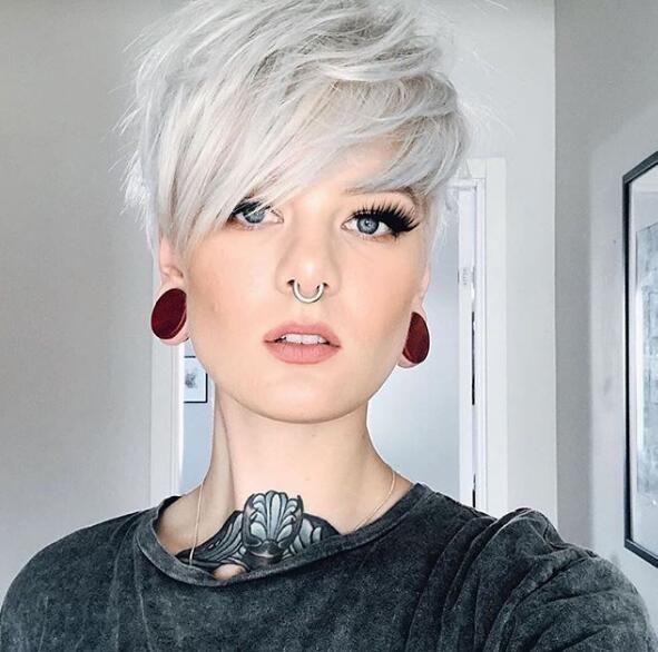 Erstaunliche kurze Pixie-Frisuren für Frauen im Jahr 2019