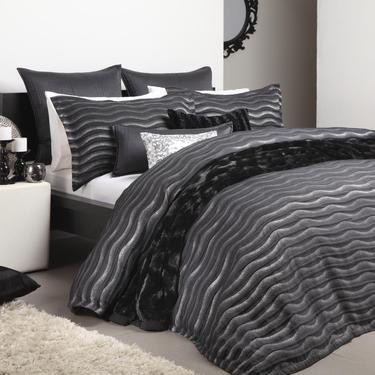 Logan & Mason Ultima Linea Quilt Cover Set Black | Spotlight Australia