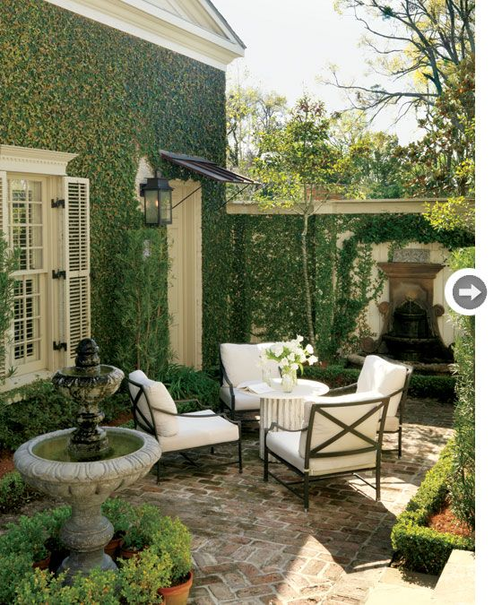 Inspired by the traditional courtyards of Europe, this look is elegant and tailored and possesses old-world charm and romantic details. Think formal clipped hedges, ornate fountains, wrought-iron garden benches and stone pathways.