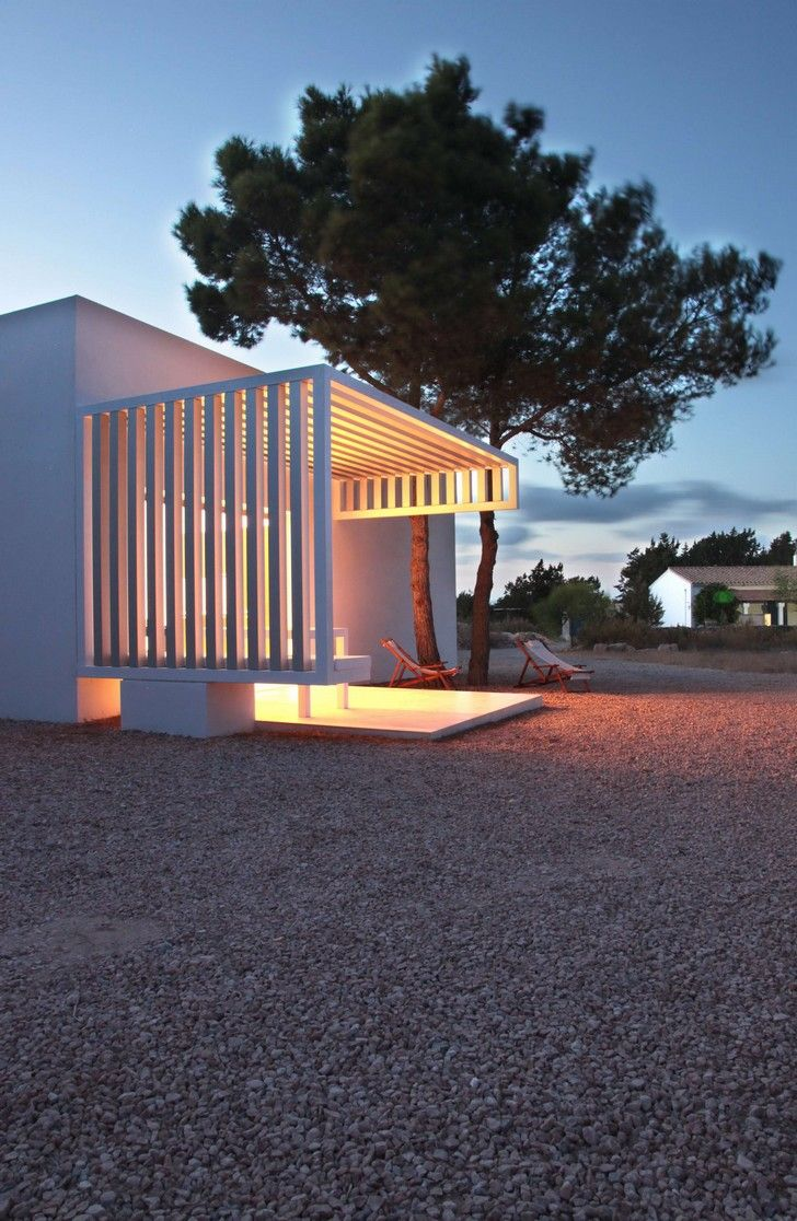 House 8 x 8 in Formentera, by Marià Castelló