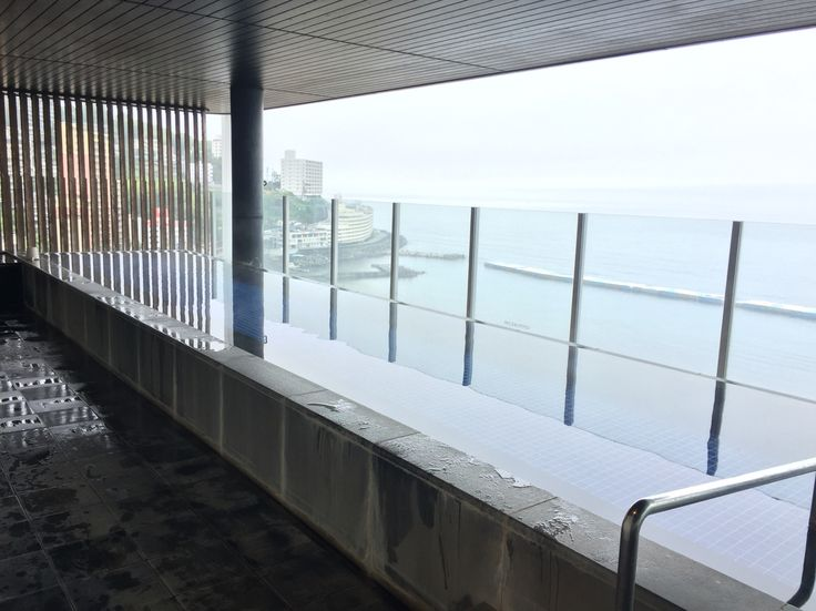 Open Air Hot Spring Bath / ホテル最上階の露天風呂