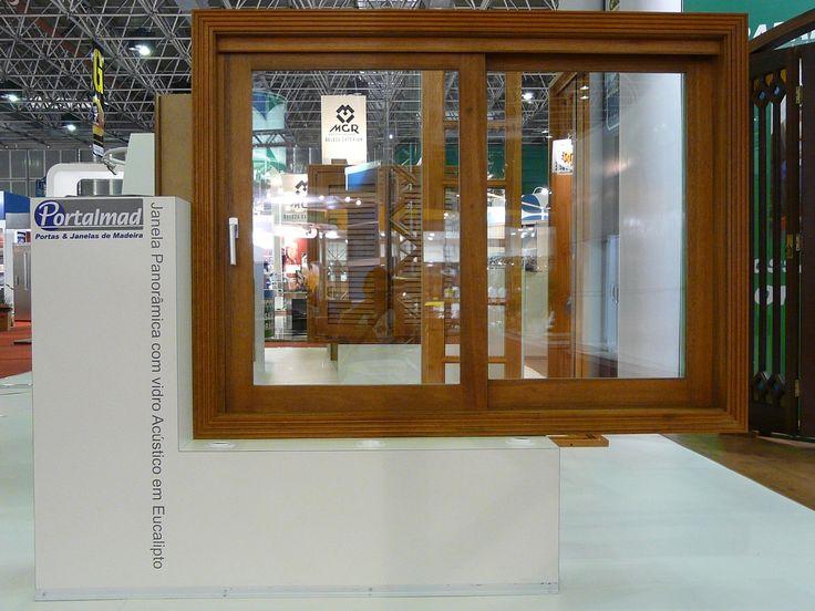 Esquadrias de madeira - Acabamento de alto padrão - Janelas