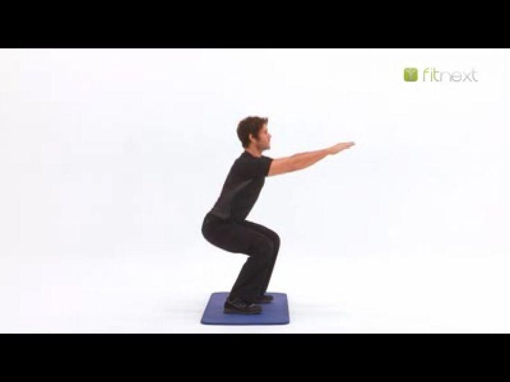 Semaine 1 Effectuez 3 séries de 15 squats suivies de l'exercice de la chaise pendant 30 secondes. Prenez 1 mn 30 pour récupérer avant le prochain exercice....