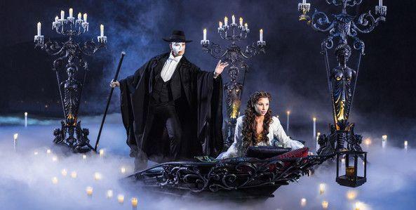 PdO-OBH-Prio1-Szenenmotiv-Phantom-und-Christine-Bootsfahrt-quer-Copyright-by-Stage-Entertainment-00712.jpg