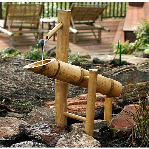 Se pinterests topplista med de 25 b sta id erna om bamboo for Japanese bamboo water feature