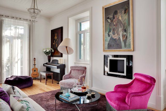 Living Room, mix antique furniture and contemporary pieces, fusion project
