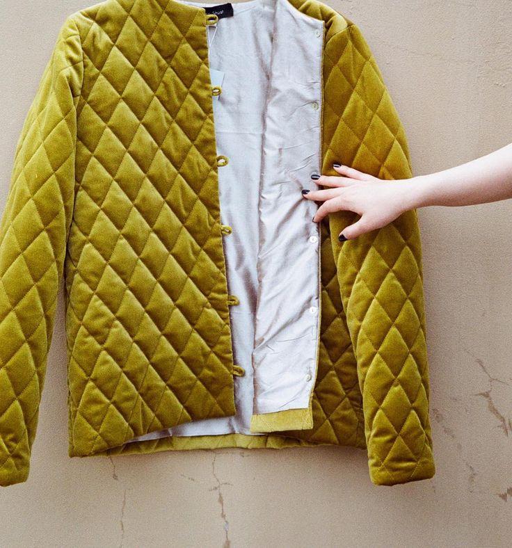 """KURSOVOY (@kursovoy) в Instagram: «Эклектичная бархатная куртка Silen Shust с шёлковым подкладом - как правильный """"вечерний"""" акцент в…»"""
