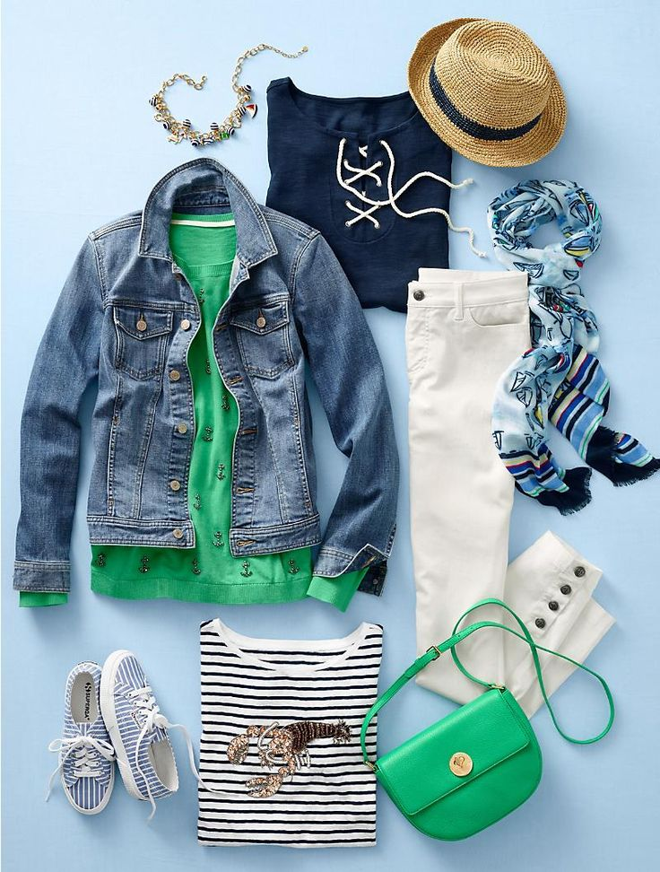Your weekend travel outfit all planned out - chic airport style.