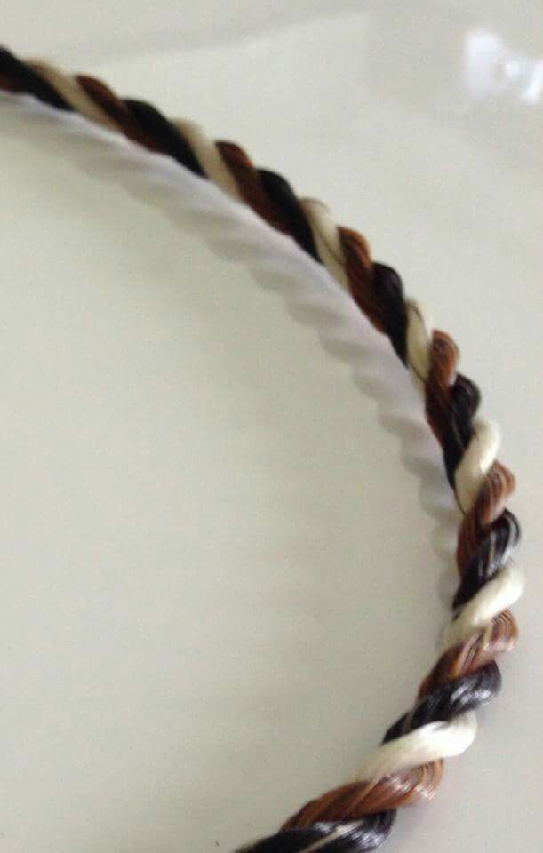 Rope using 3 tail colours (Tale of a Horse)