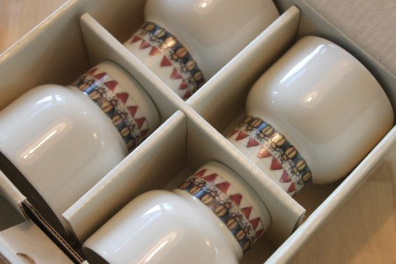 Set of 4  Arabia of Finland Richard Lindh Pikari Cups/ small