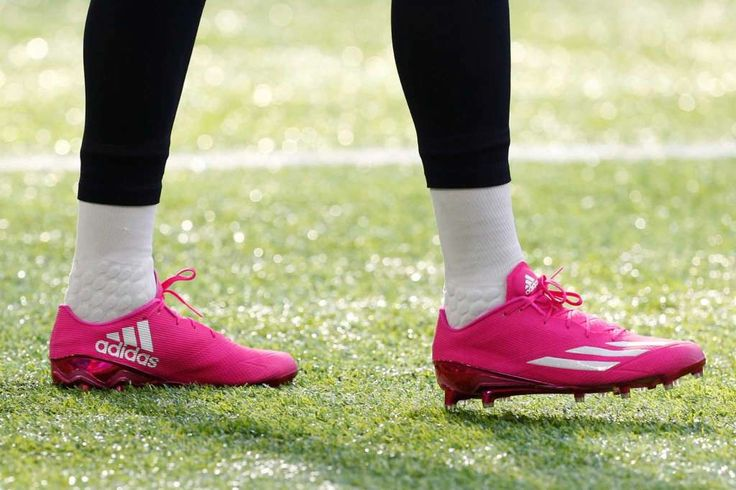 Texans vs. Vikings:  October 9, 2016  -  31-13, Vikings.     Houston Texans wide receiver Braxton Miller wears pink shoes, in honor of Breast Cancer Awareness Month, while warming up before an NFL football game against the Minnesota Vikings at U.S. Bank Stadium on Sunday, Oct. 9, 2016, in {city. Photo: Brett Coomer, Houston Chronicle / © 2016 Houston Chronicle
