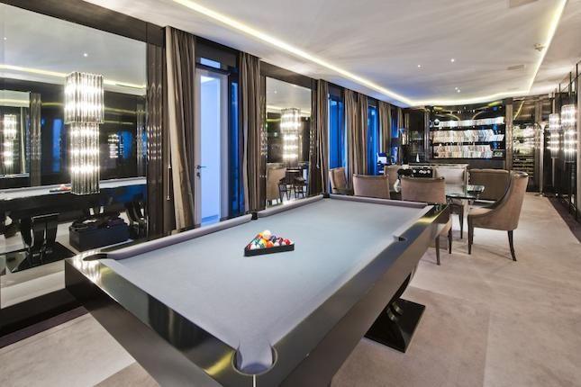 Luxury pool table