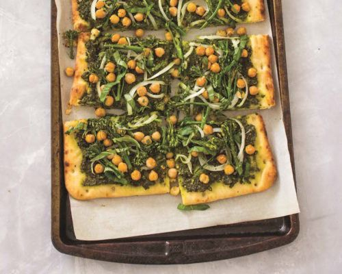 Refuel post-workout with this protein-packed kale pesto flatbread pizza