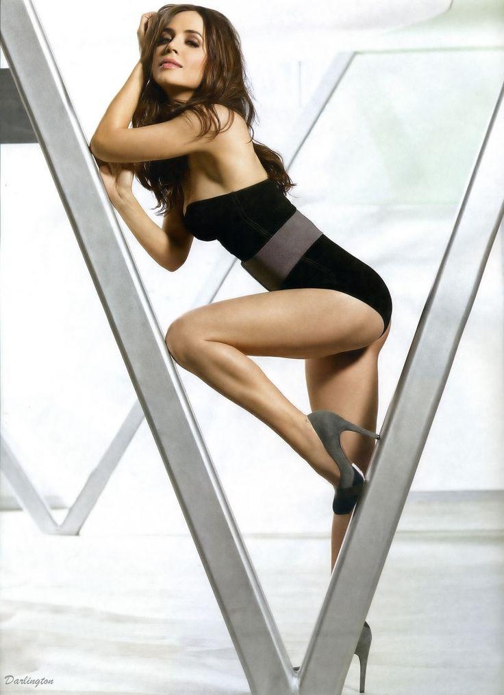 Элиза Душку (Eliza Dushku) в журнале «FHM»