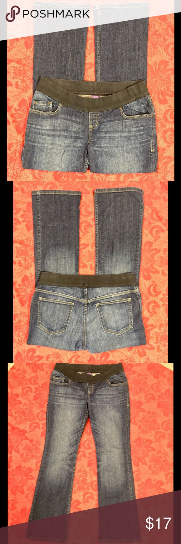 """Old Navy Maternity Jeans Classic boot cut style Maternity jeans from Old Navy. Good condition, medium wash. Size 12. Inseam is approx 32"""". Old Navy Jeans Boot Cut"""