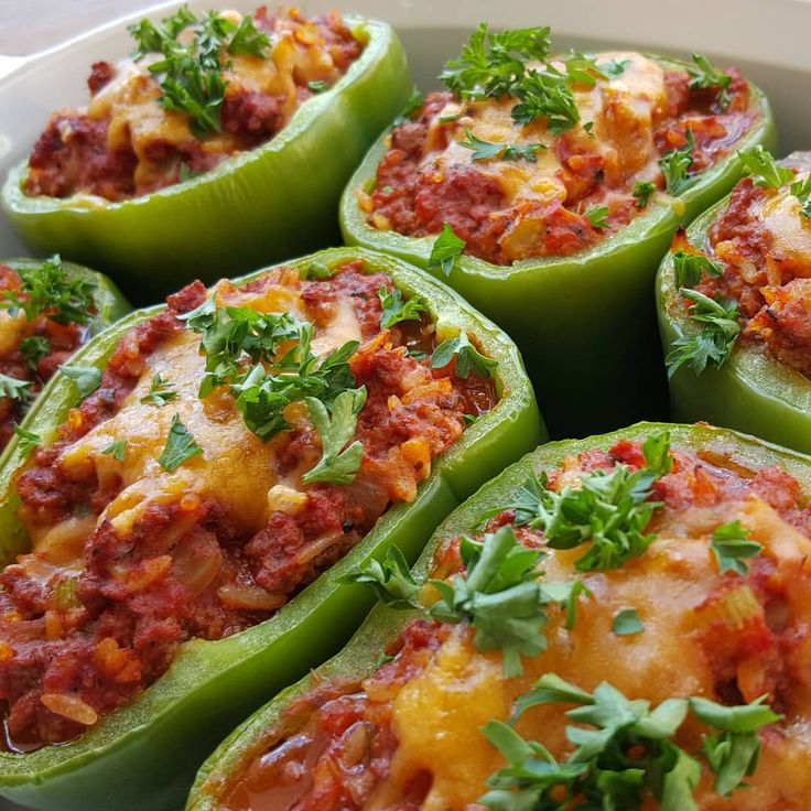 Brown Rice Stuffed Peppers - Clean Eating Recipe http://cleanfoodcrush.com/stuffed-peppers/