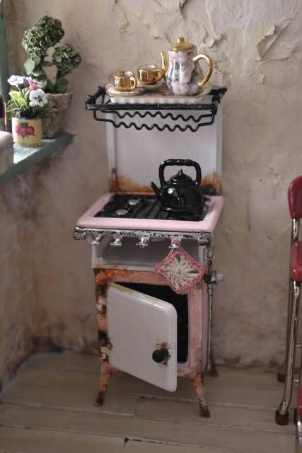 Gas Cooker - WyckedWood Beacon Hill~The Sea Hag~ - Gallery - The Greenleaf Miniature Community