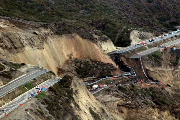 12/29/2013 - Mexico: Tijuana-Ensenada scenic road collapses - Earth Changes and the Pole Shift