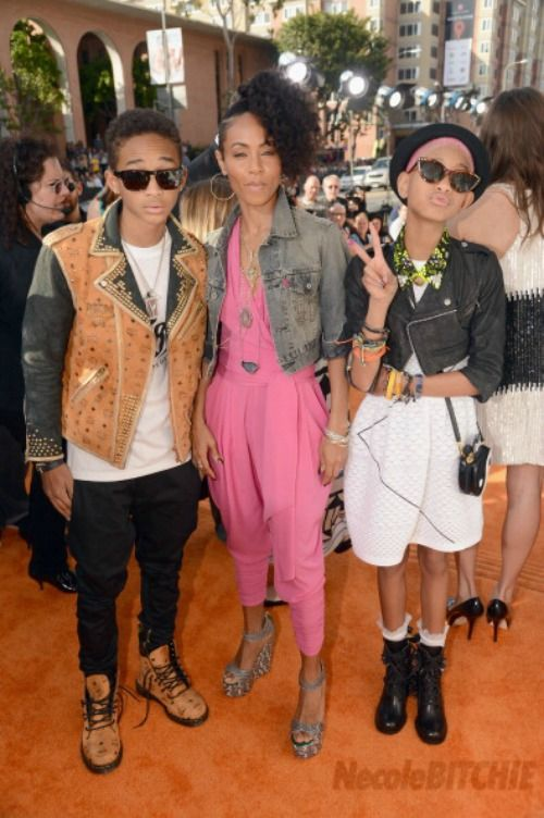 I love the Smith family. Their kids definitely take after Jada's style lol