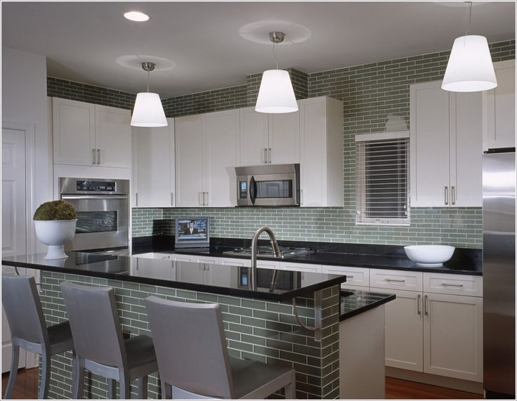 Kitchen Modern Los Angeles Breakfast Bar Eat In Kitchen Green Subway Tiles Island Lightin
